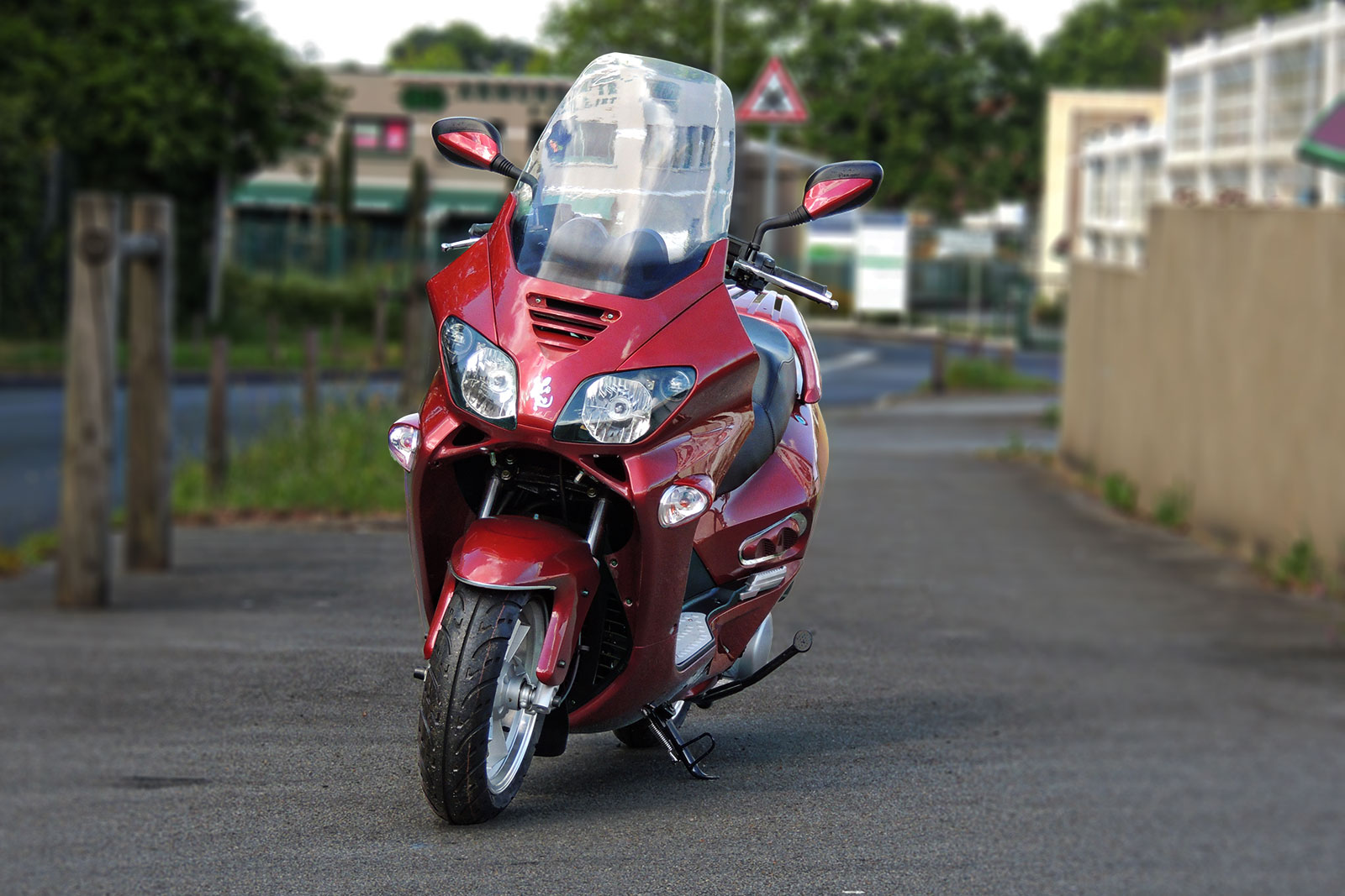 SCOOTER-125-ECCHO-GT-STAR-BORDEAUX-01