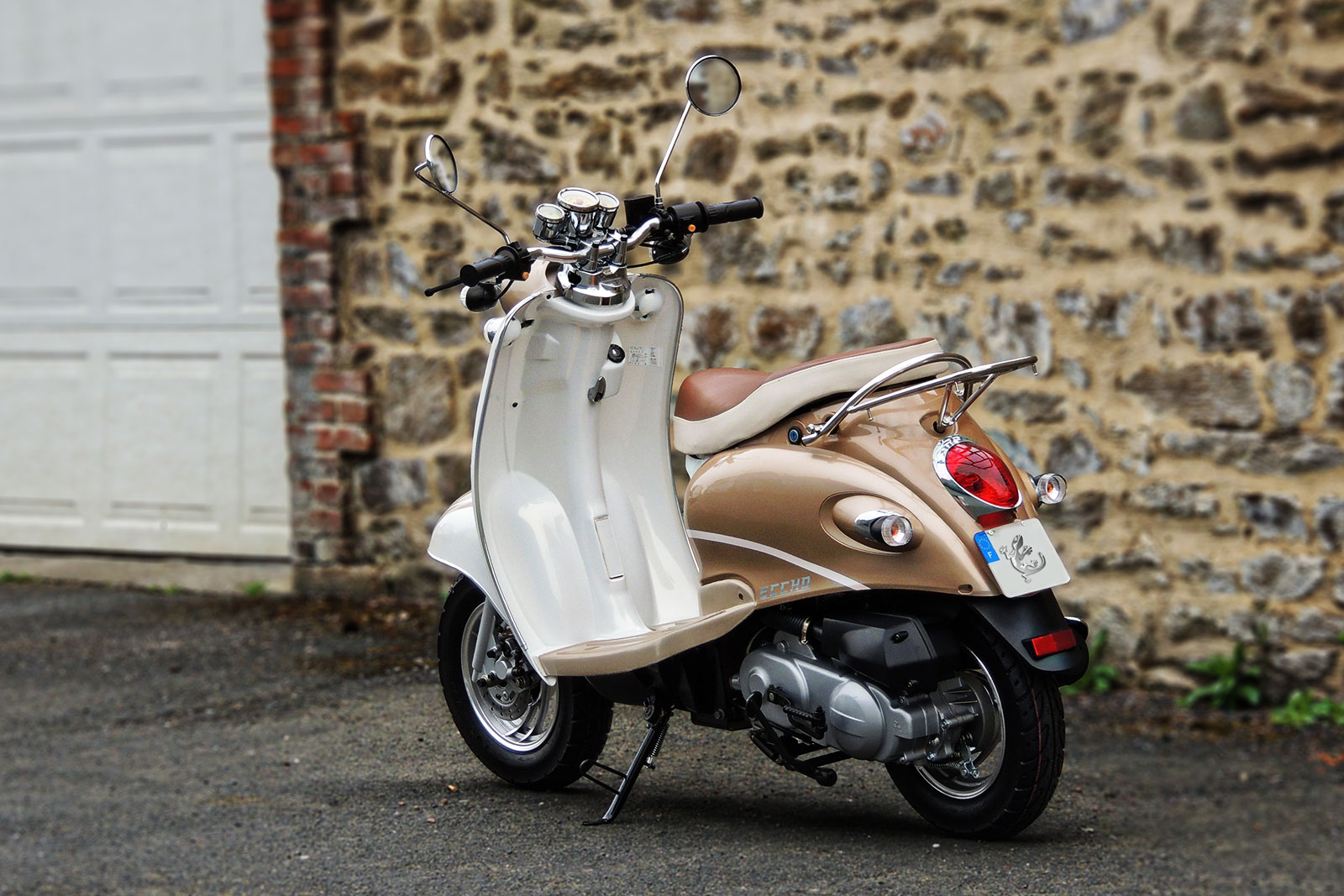 SCOOTER-50-ECCHO-RETRO-GOLD-04