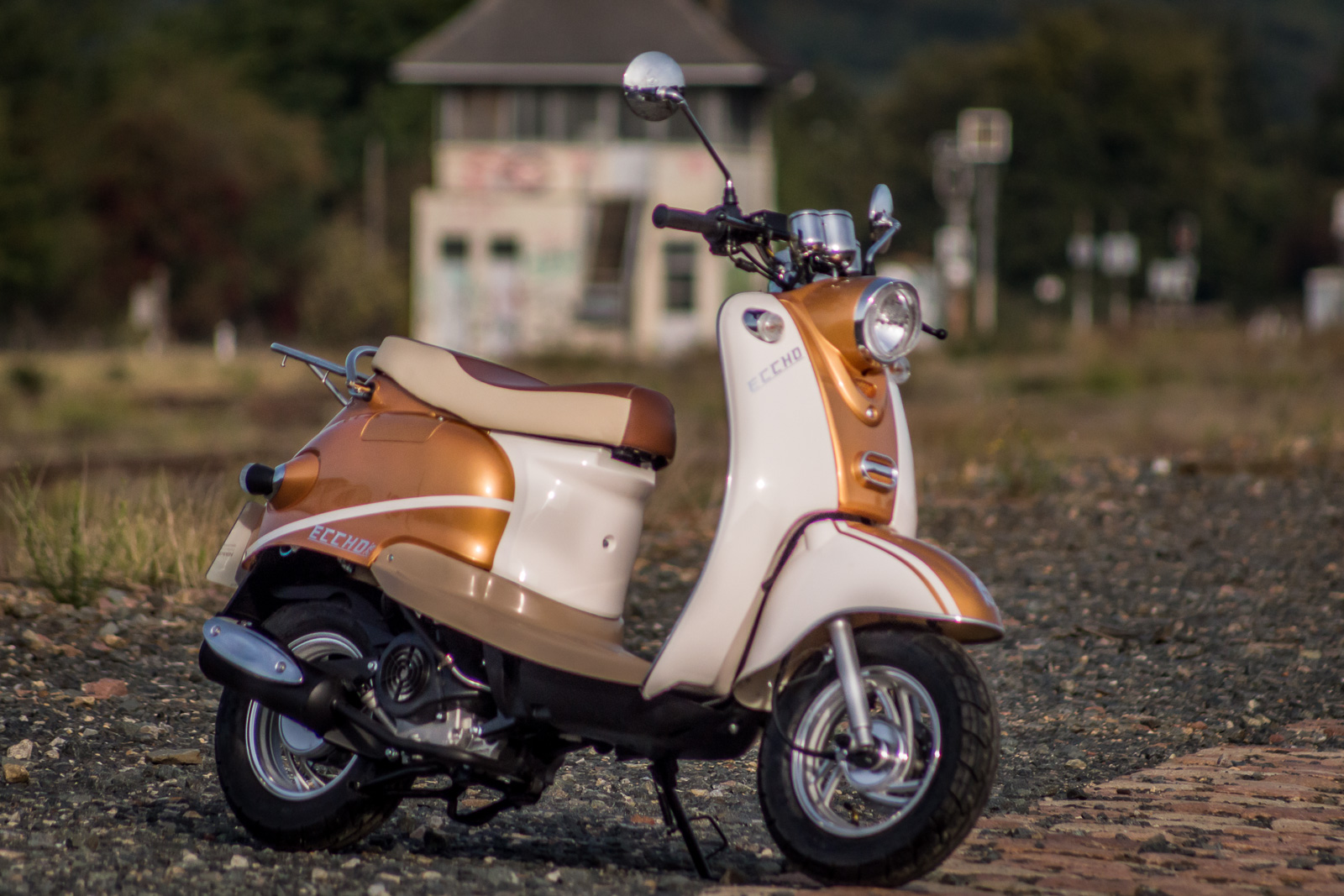 SCOOTER-50-ECCHO-RETRO-GOLDER-03