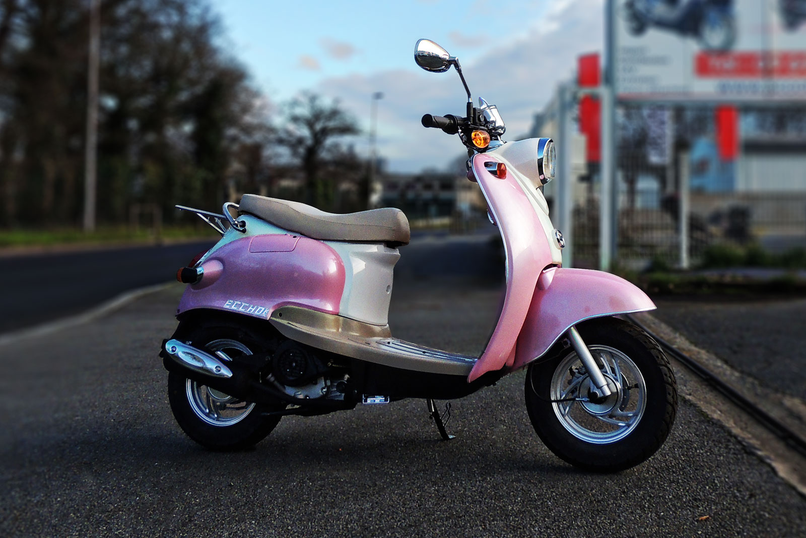 SCOOTER-50-ECCHO-PINK-04